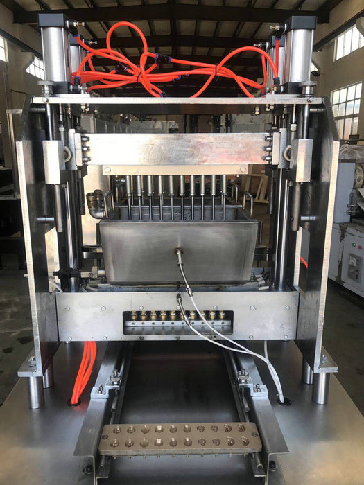 Compact Structure Candy Making Machine / Toffee Production Line 25-50 Kg/H